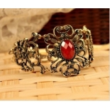 European US Jewelry Vintage Carved Gemstone Bracelet