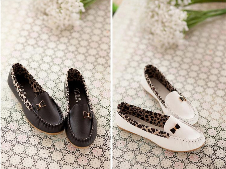 Sweet Stitching Leapord Bow Round Flat Shoes