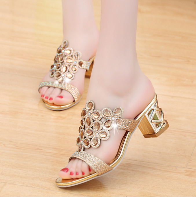 Crystal Open-toed Fashion Medium Thick Heel Sandals
