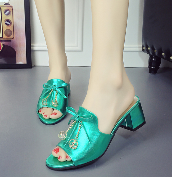 Patent Leather Thick Heel Fish Mouth Sandals
