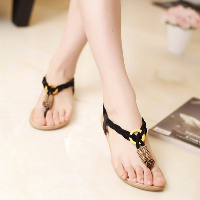 Simple Beaded Soft-soled Flat Shoes
