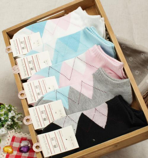 Thin Cotton Rhombus Female Boat Socks