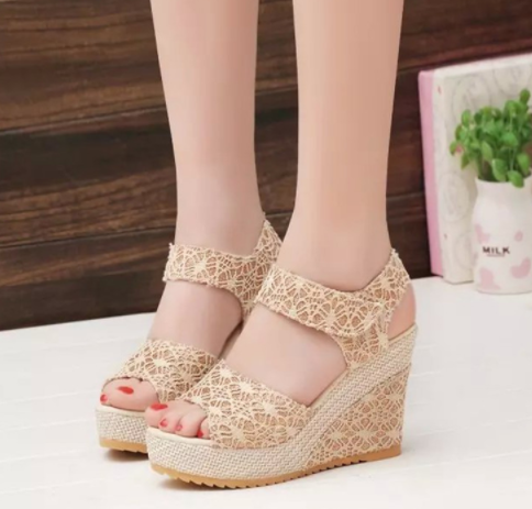 Korean Women's Fashion Lace Design High-heeled Toe Sandals