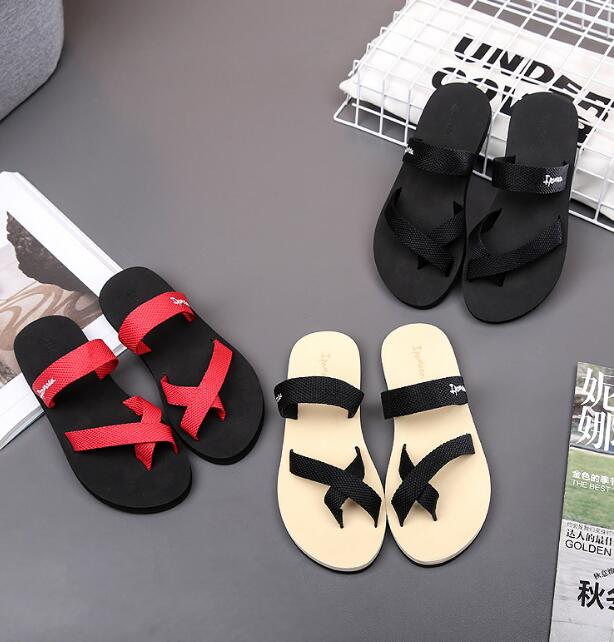 Simple Casual Comfy Unisex Strap Clip Toes Designs Anti-skid Couple Beach Wears Flat Sandals