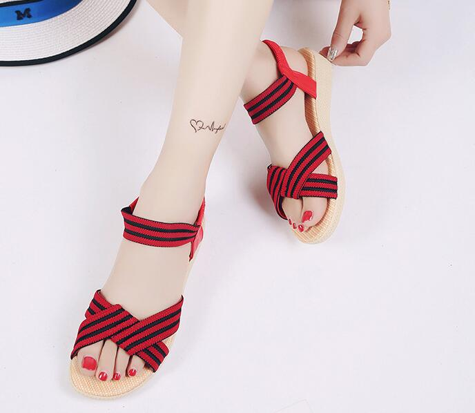 Two-tones Color Matching Cross-strap Pattern Designs Peep-toe Ladies Sandals