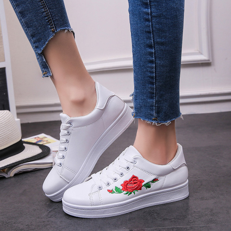 Korean Women's Fashion Classic Rose Embroidery Casual Sneaker