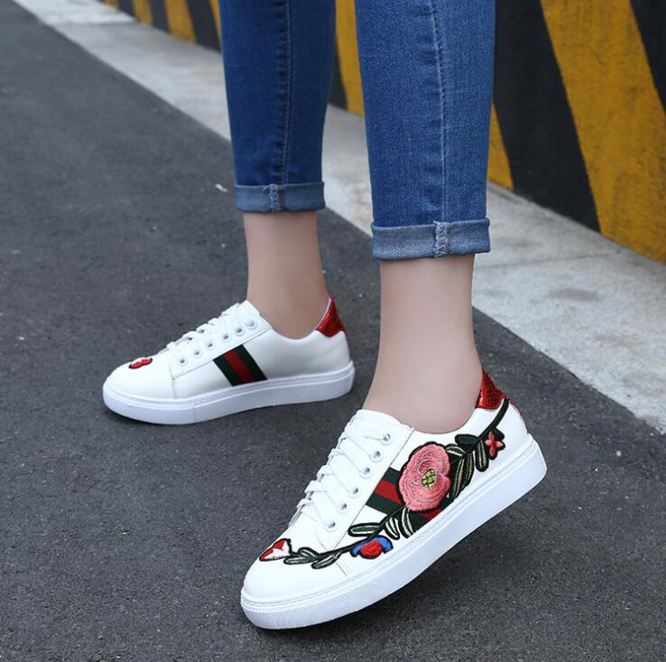 Korean Outdoor Women Retro Fashion Casual Embroidery Flowers Classic Sneakers