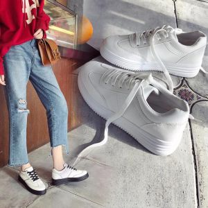 Korean Ladies Fashion Sweet Classic White Color Thick Bottom Designs Leisure Sneaker
