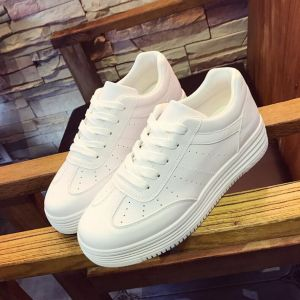 Classic White Color Korean Ladies Fashion Breathable Comfy Thick Bottom Sneaker