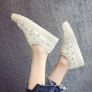 Breathable Hollow Floral Pattern Designs All White Color Leisure Ladies Covered Shoes
