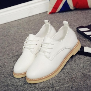 Women's British Style Simple Retro Flat Casual Leather Shoes