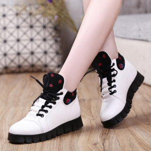 European Ladies Fashion Sassy Lips Pattern Printed Thick Muffin Crust Martin Boost Shoes
