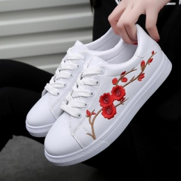 Korean Casual Women's Fashion Thick Soles Flowers Embroidery White Classic Sneakers