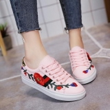 Korean Women's Casual Fashion Rose Figure Embroidery Design Round Head Lace Shoes