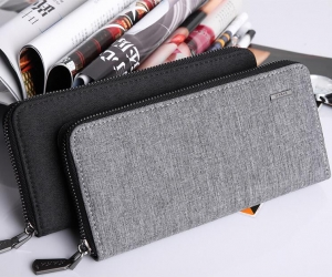 Korean Men's Fashion Simple Solid Color Large Capacity Metal Logo Decoration Waterproof Wallet