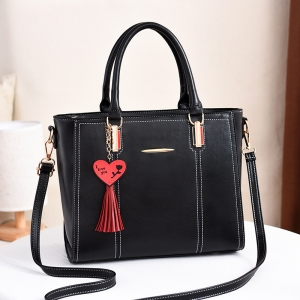 Europe Women's Fashion Love Shape Tassel Pendant Simple Metal Decoration Solid Color Shoulder Bag